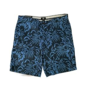 H&M Mens Shorts, Side & Back Pockets Size 34